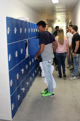 Alunos já começaram a utilizar os armários para guarda de pertences