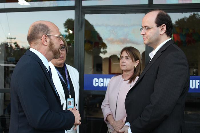 Ministro da educação visita CCM